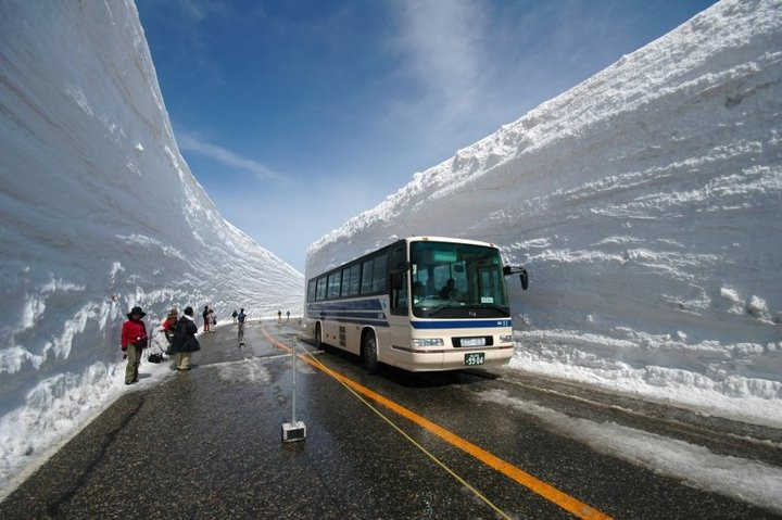 Как почистват снега в япония